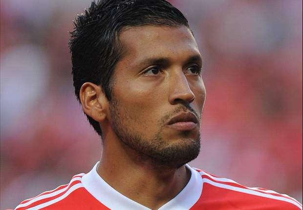 Garay plays down Roma talk: 'I'm happy at Benfica'