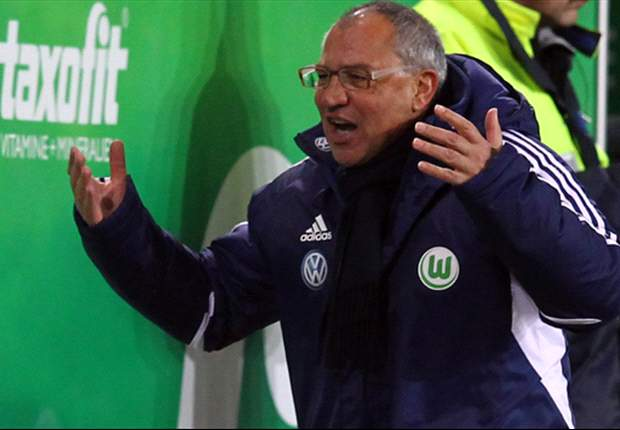 Magath hits back at Kjaer: He has a contract with Wolfsburg, not with me
