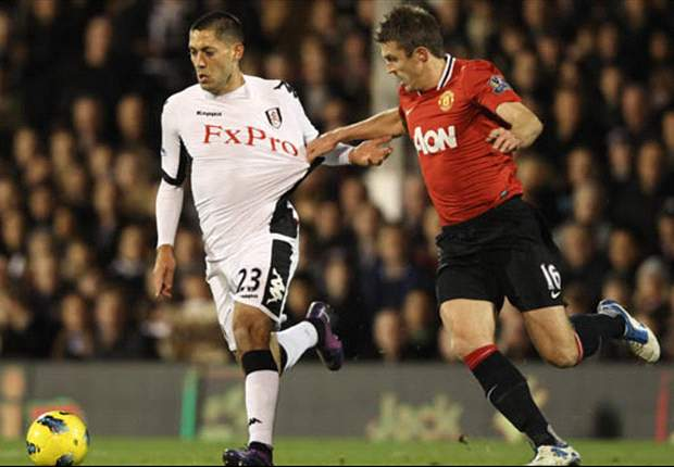 Fulham 0-5 Manchester United: Impressive Rooney & Berbatov strikes cap great night as rampant visitors keep pace with City