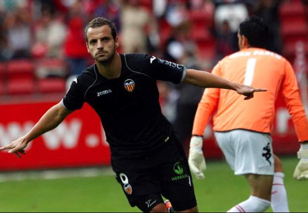 Sevilla 2-1 Valencia (2-2 Agg): Roberto Soldado's second-half strike carries visitors into last eight on away goals