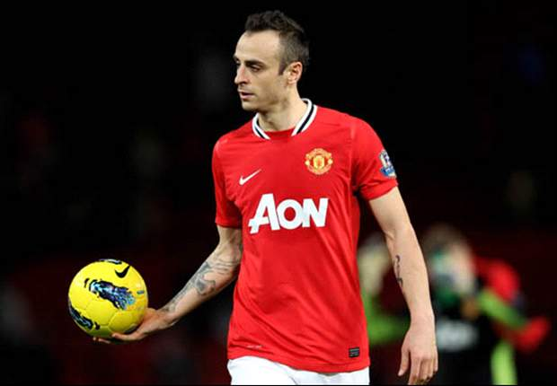 Unhappy Dimitar Berbatov hints at Manchester United exit in search of regular football