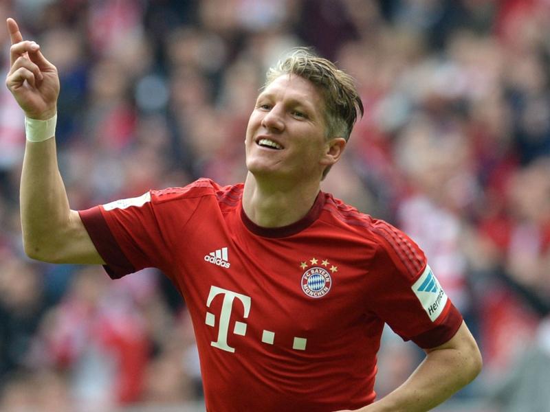Guardiola: Only Schweinsteiger can decide Bayern future