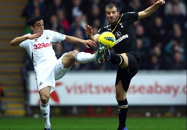 Rafael van der Vaart vows to stay at Tottenham and dismisses transfer rumours