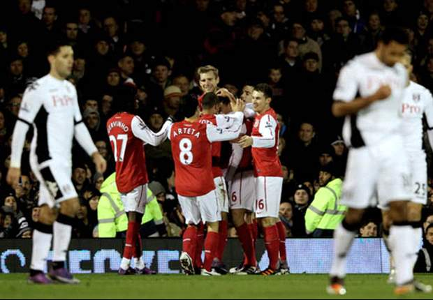 Fulham 2-1 Arsenal: Late Sidwell & Zamora strikes punish Djourou red card as Gunners collapse in final five minutes