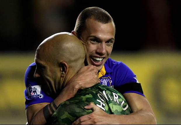Word on the Tweet: Heitinga affirms Everton commitment while Defoe & Savage talk GCSEs