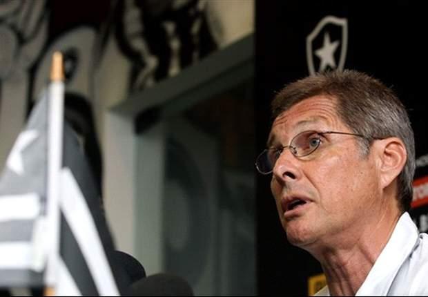Oswaldo de Oliveira comemora boa combinação de experiência com juventude no Botafogo