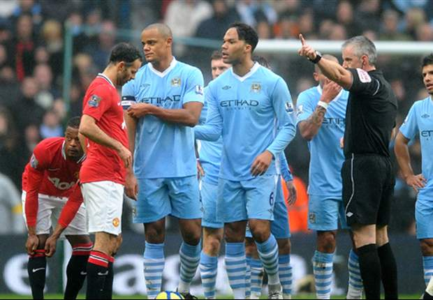 Manchester United manager Sir Alex Ferguson insists Manchester City's Vincent Kompany deserved to be sent off after FA Cup win