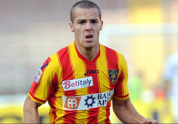 Official: AC Milan sign Djamel Mesbah from Lecce