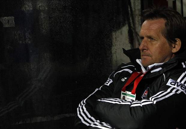 Schuster wacht op telefoontje Wolfsburg