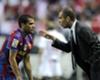 Daniel Alves diz que Guardiola é o 'Einstein da bola'