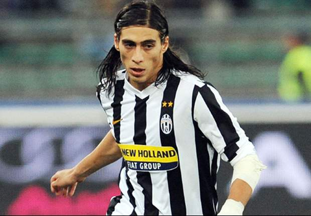 Caceres suffers suspected knee ligament damage in Juventus friendly