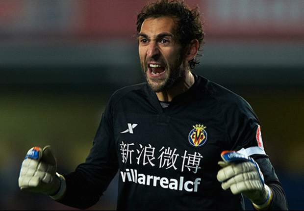 Villarreal 0-0 Barcelona: Diego Lopez inspired for Yellow Submarine as champions fall seven points behind Real Madrid in La Liga title race