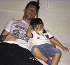 Messi se entrena con su mini imitador