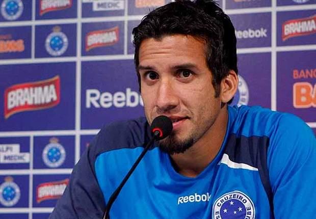 Victorino comemora primeiro gol no Cruzeiro
