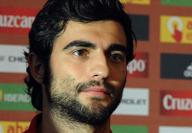 Spain will relish 'favourites' tag, insists Albiol