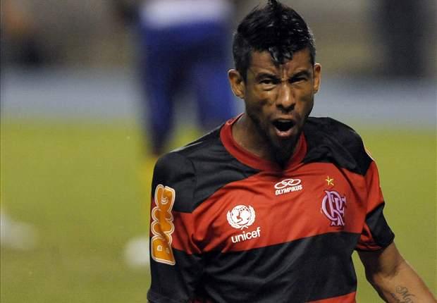 Léo Moura fica de fora do jogo contra o Coritiba