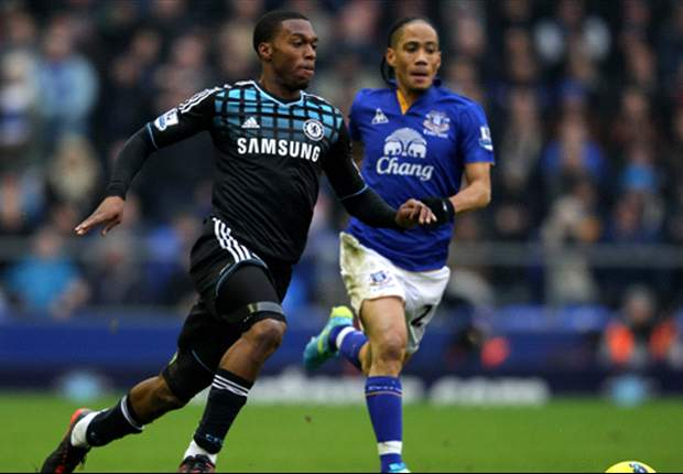 Everton 2-0 Chelsea: Pienaar & Stracqualursi strikes defeat visitors as pressure grows on Andre Villas-Boas