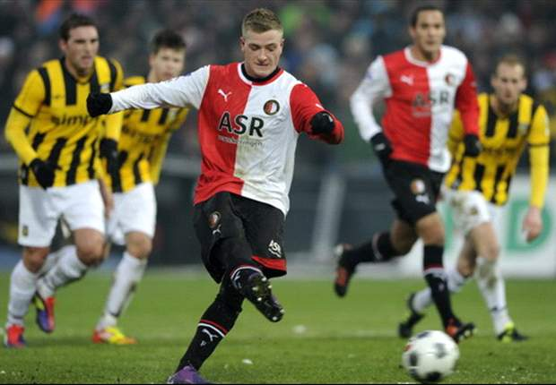 Feyenoord 3-1 Vitesse: Guidetti hat trick helps hosts to hard-fought win