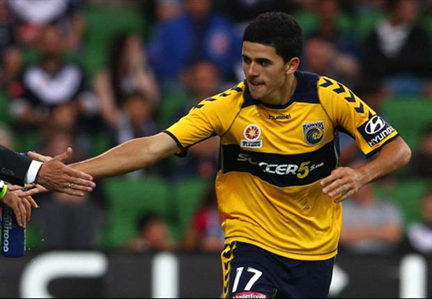 Central Coast Mariners to re-sign key trio after Graham Arnold's decision to stay at the club
