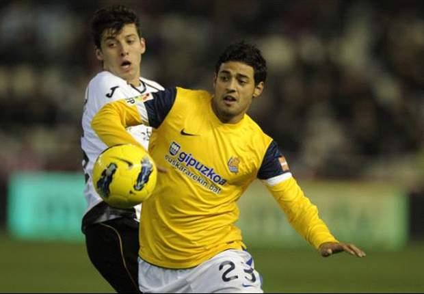 Real Sociedad Yakin Permanenkan Carlos Vela