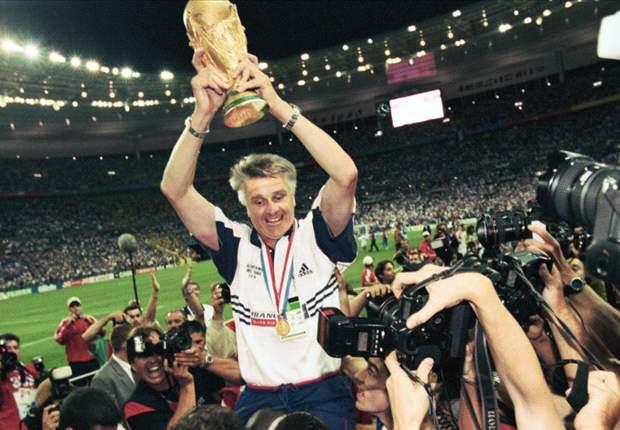 Aimé Jacquet a amené la foot français à sa victoire la plus historique.