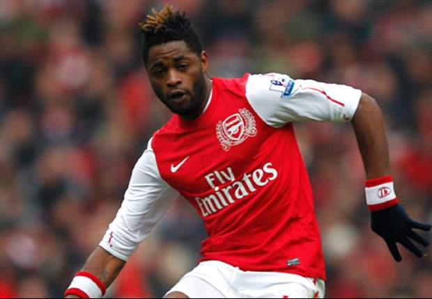 Barcelona Optimistis Segera Gaet Alex Song