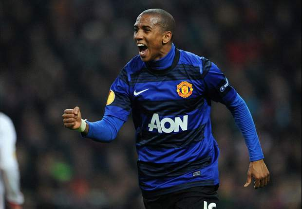 Ashley Young: Manchester United will fight City all the way in pursuit of Premier League title