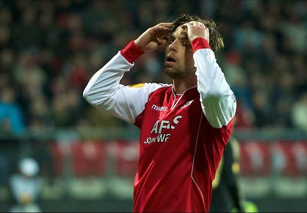 Aston Villa agree deal to sign Brett Holman at end of season
