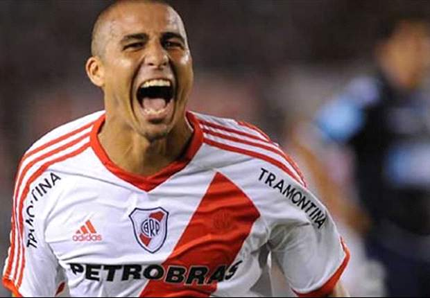 Trezeguet double seals promotion for River Plate