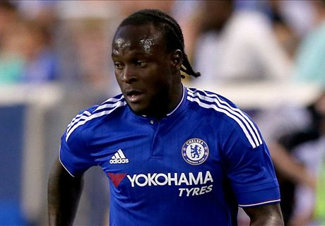 West Ham launch bid for Moses