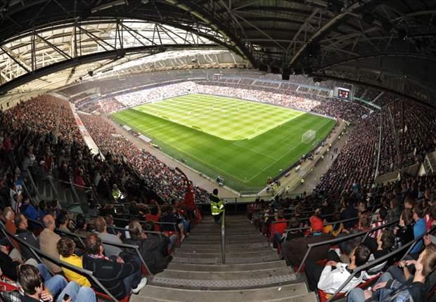 PSV - Dnjepr onder leiding van Spanjaard
