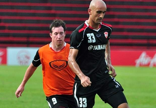 Zesh Rahman had a stint with Muangthong United.