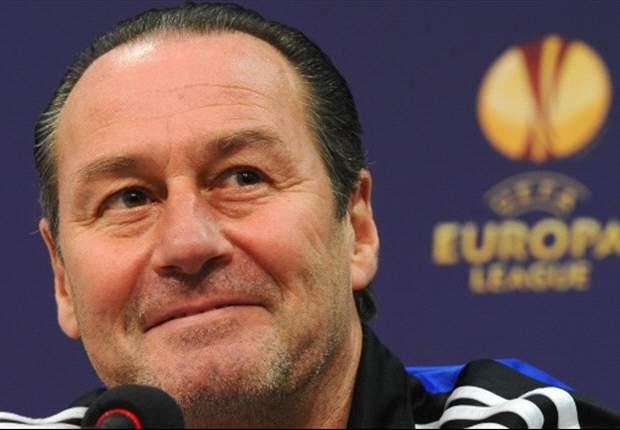 Huub Stevens: Harus Percaya Diri Lawan Bayern Munich