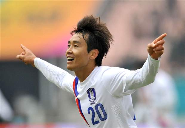 South Korea 2-0 Kuwait: Veteran Lee Dong-Gook eases tension and guides Taeguk Warriors through