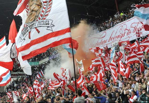 'PSV wil oefenwedstrijd tegen Barcelona'