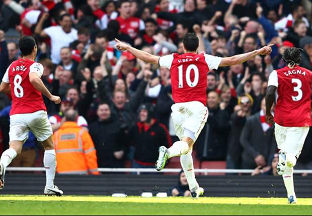 Team of the Week: Arsenal trio Walcott, Van Persie & Sagna lead the way after Tottenham thrashing