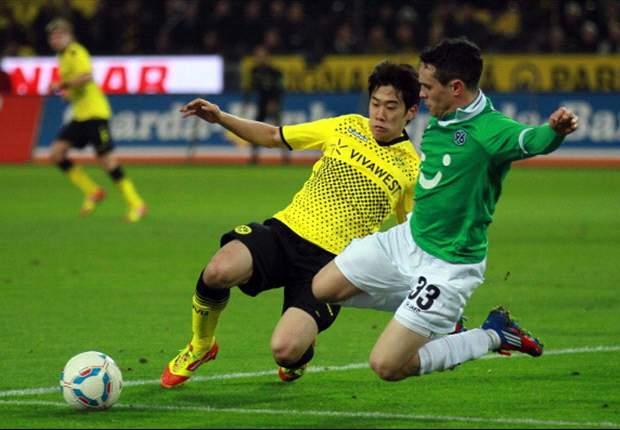 Dortmund klopt Hannover blijft aan kop