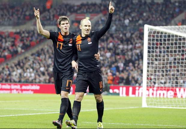 England 2-3 Netherlands: Robben hits stoppage-time winner to halt late comeback and condemn Pearce to defeat