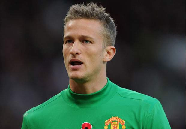 Lindegaard admits uncertainty over goalkeeping rivalry with De Gea