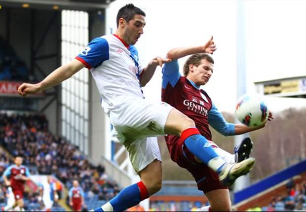 Round-Up Liga Primer Inggris: Penampilan Heroik Paul Robinson Bendung Aston Villa