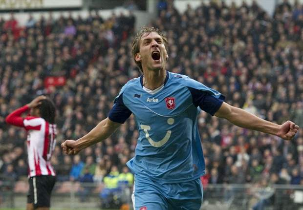 PSV 2-6 Twente: Fred Rutten's side dismantled as Tukkers fire title warning in dominant display