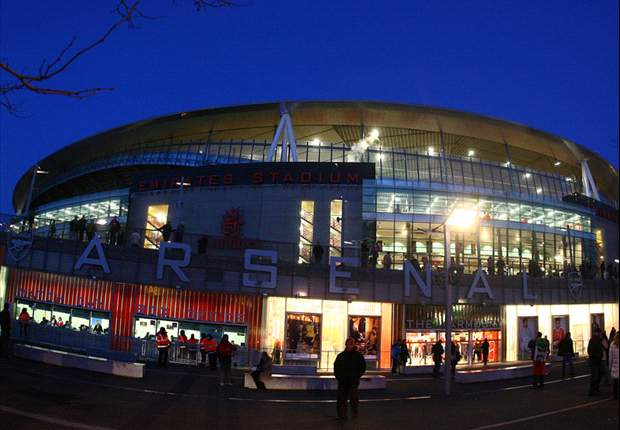 Arsenal fans protest at 'extortionate' ticket prices