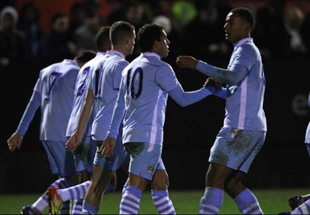 Im zweiten Anlauf - Carlos Tevez trifft für Manchester City