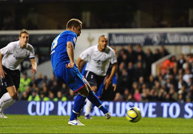 Tottenham 3-1 Stevenage: Defoe double sees Spurs through in FA Cup as Dawson injury sours victory