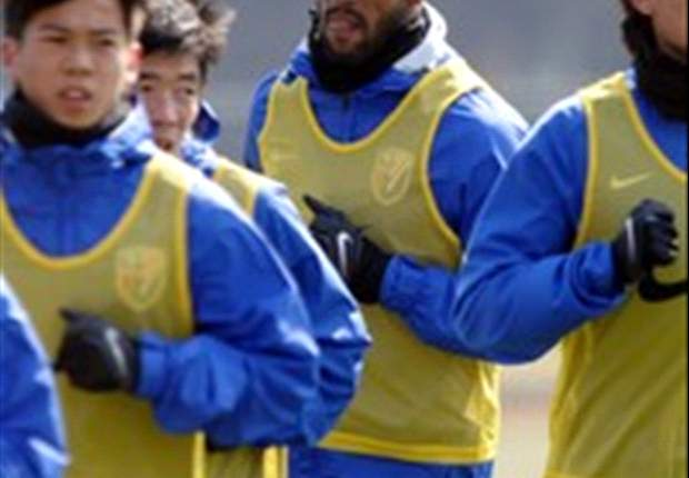 Anelka fails to make Shanghai Shenhua debut due to ankle injury