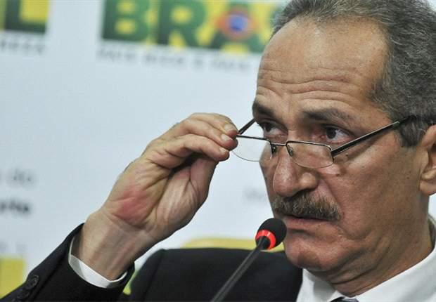 Aldo Rebelo compara a Copa do Mundo de 2014 ao samba