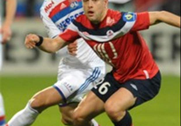 Lyon president Jean-Michel Aulas confused by failed transfer of Anthony Reveillere
