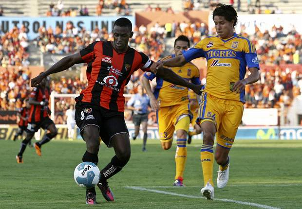 Liverpool and Porto have a 'personal interest' in me, claims Jaguares' Jackson Martinez
