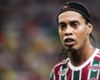 Ronaldinho returns and helps Fluminense to win