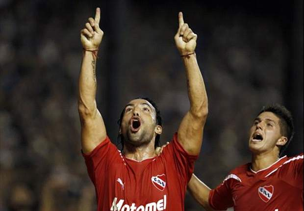 Clube argentino manifesta desejo de comprar Farías